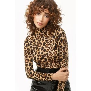 🌴Leopard Print Mock Turtleneck